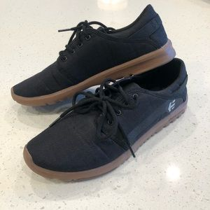 Etnies scout shoes gum size 11
